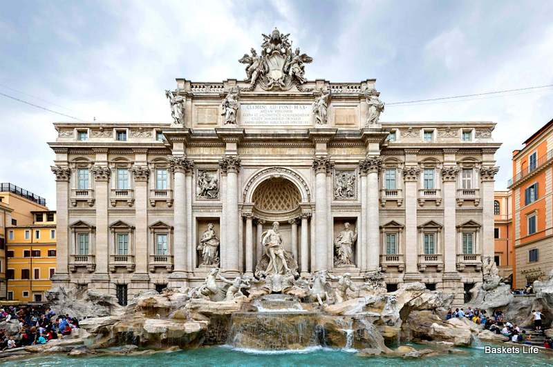 10 Facts about the Trevi Fountain