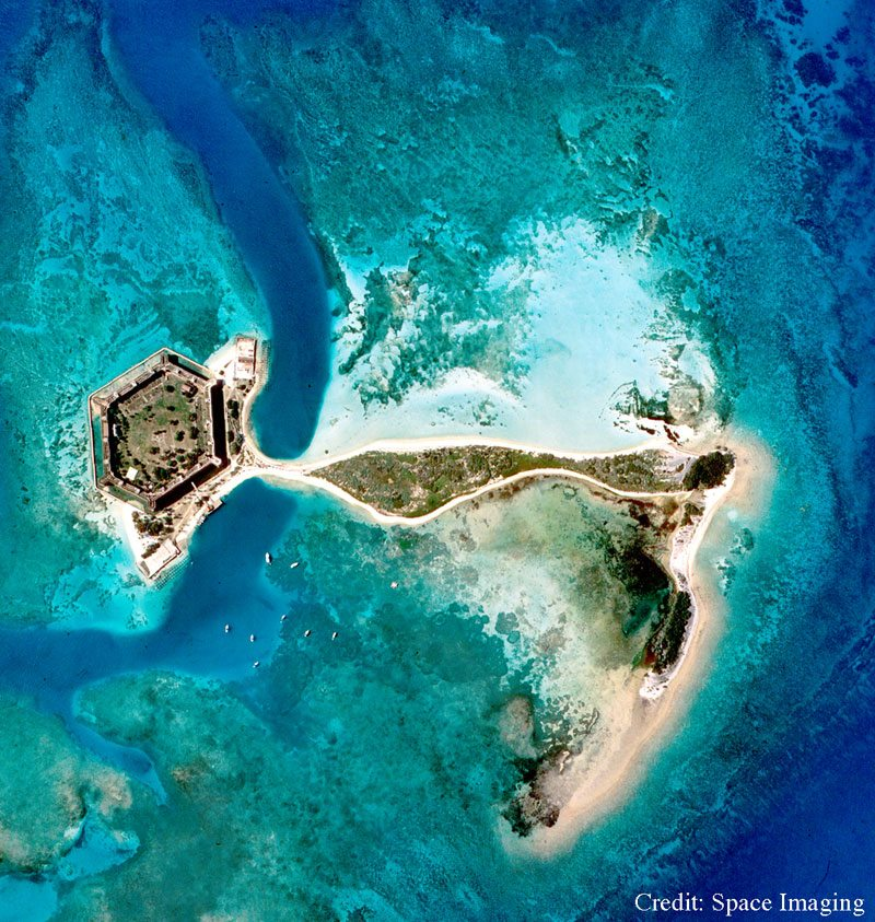 Dry Tortugas Nat...Dry Tortuga Island Ferry